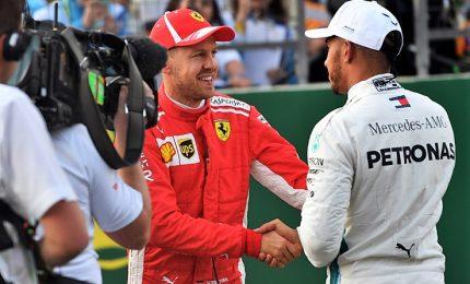 Hamilton in cima al podio della gara numero 1000