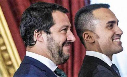 """Salvini-Di Maio tentano chiarimento ma divisi su manovra. Il leghista: """"Decine di miliardi o chiediamo a italiani"""""""