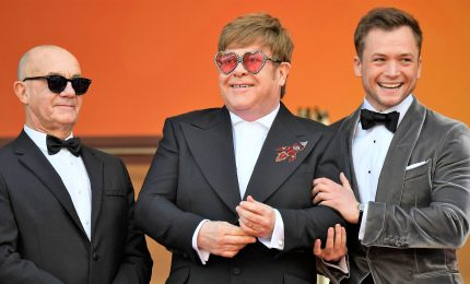 "Cannes, Elton John sul red carpet per ""Rocketman"""