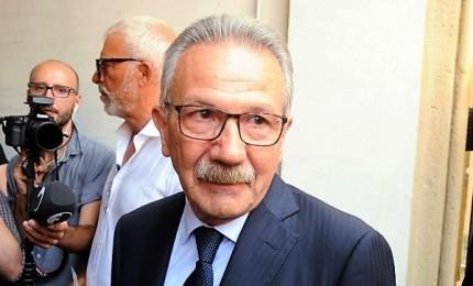 Indagato per corruzione, il sindaco leghista di Legnano ritira dimissioni