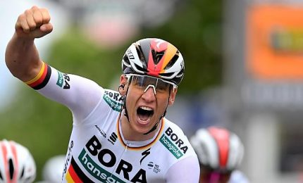 Giro d'Italia, tappa ad Ackerman, Roglic resta in rosa