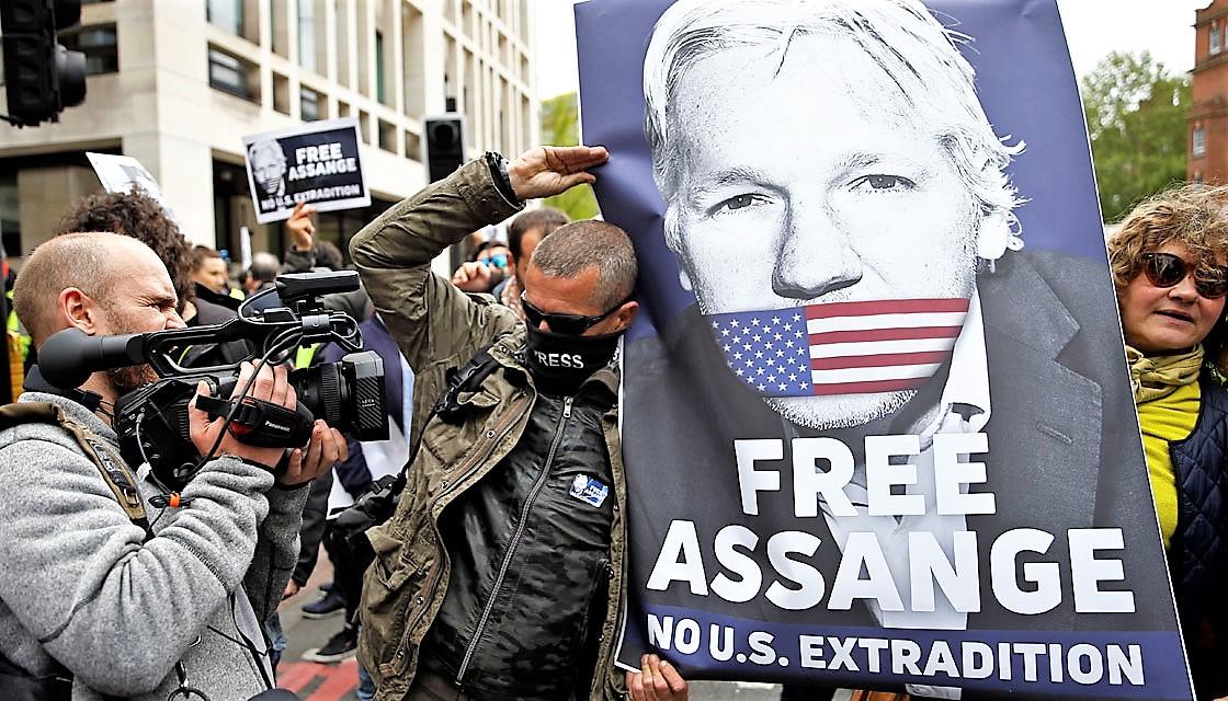 """Assange spia, l'accusa che fa temere per libertà di stampa Usa. Il fondatore di WikiLeaks: """"E' la fine del giornalismo, del Primo emendamento"""""""