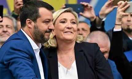 Salvini leader dei sovranisti, il 26 ci riprendiamo l'Europa. Papa fischiato a Milano