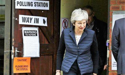 Batosta Tory e Labour alle amministrative, volano i filo-Ue