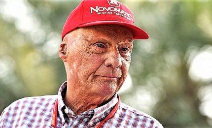 """Addio a Niki Lauda, leggenda della Formula 1. Montezemolo: """"Scomparsa lascia un enorme vuoto dentro me"""""""
