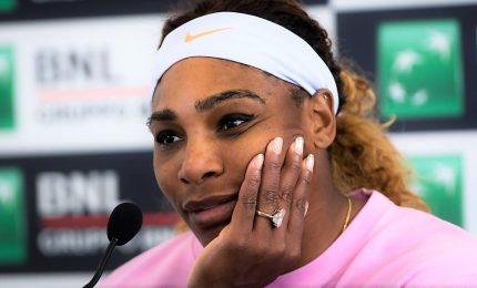 Open, Serena Williams si ritira per problemi al ginocchio