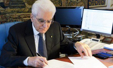 """Mattarella promulga ma """"smonta"""" il decreto Sicurezza bis. Le """"rilevanti perplessità"""" del Colle"""
