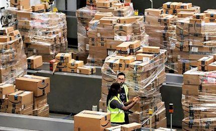 Svolta epocale in Amazon, i robot imballeranno i pacchi
