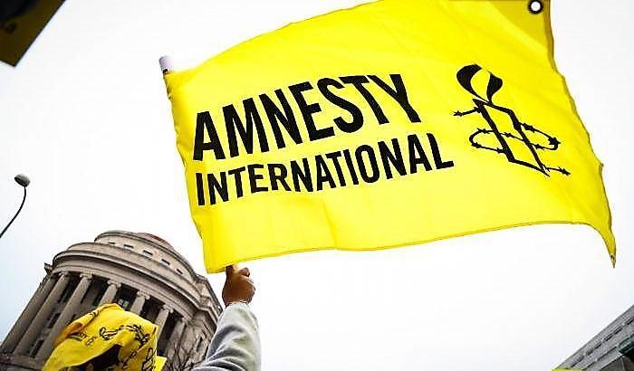 """Ambiente di lavoro """"tossico"""", saltano i vertici di Amnesty"""