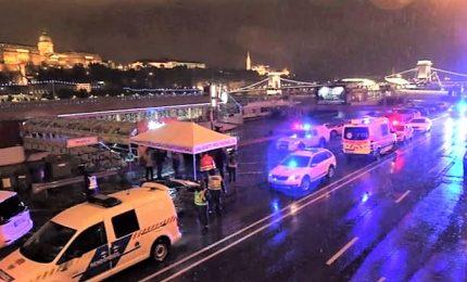 """Si rovescia nave a Budapest, 7 morti e 21 dispersi. """"Era una visita turistica come tutte le altre"""""""