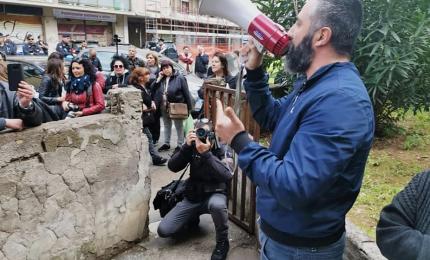 A Casal Bruciato Casapound contro i rom assegnatari case