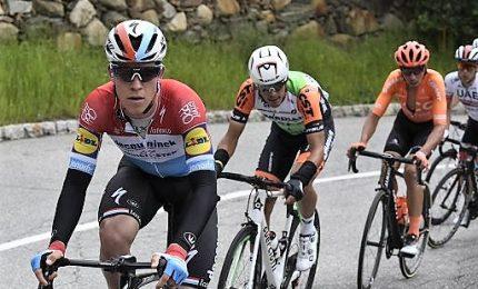 Giro: nel giorno di Peters, Nibali cede secondi a Carapaz