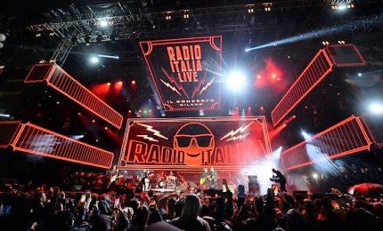 La pioggia non ferma la festa del concerto Radio Italia Live