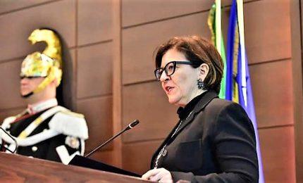 La Difesa si ritrova la guerra in casa, il sottosegretario M5s attacca la ministra Trenta