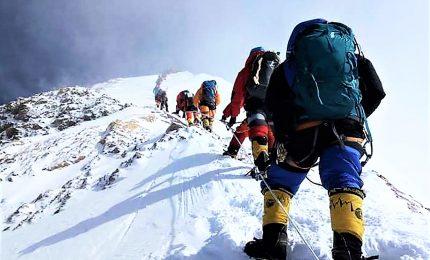 Troppo traffico sulla vetta dell'Everest, 10 morti in una settimana