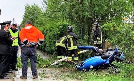 Elicottero precipitato a Pegognaga, morto il pilota 38enne