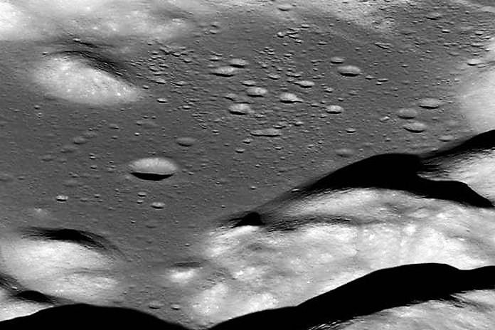 """la Luna si sta restringendo. Gli scienziati: """"Questo ci porta a tornare sul satellite"""""""