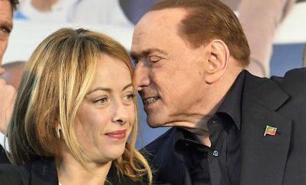 Silvio e Giorgia, c'eravamo tanto amati. Berlusconi e Meloni comunicano solo via social