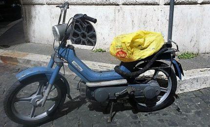 La svolta Pd: Zingaretti e quel 'Piaggio Sì' che va soltanto a pedali
