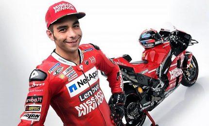 Spagna, vola la Ducati di Petrucci. Marquez in agguato