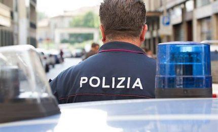 Sottrae piu' di 70mila euro alla famiglia per la cocaina