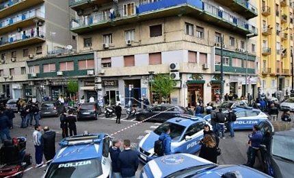 Agguato tra la folla a Napoli, grave una bimba di 4 anni