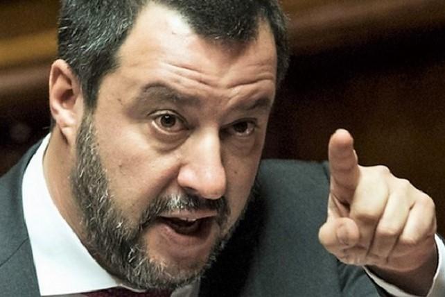 Open Arms, Tribunale accusa Salvini: plurimo sequestro di persona