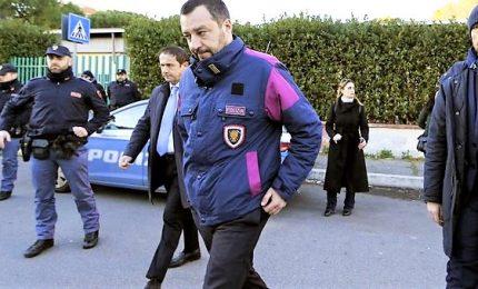 """Salvini dichiara """"guerra"""" a cannabis e riaccende lo scontro nel governo"""