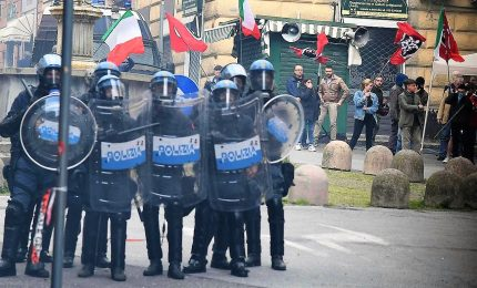 Genova, si indaga su pestaggio giornalista. Ex pm G8, non è stata voltata pagina