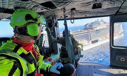 Sardegna, elicottero Aeronautica salva donna su nave da crociera