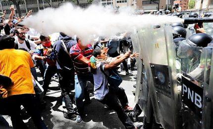 Maduro non molla, sconfitto golpe. E Guaido' risuona la carica: avanti rivolta