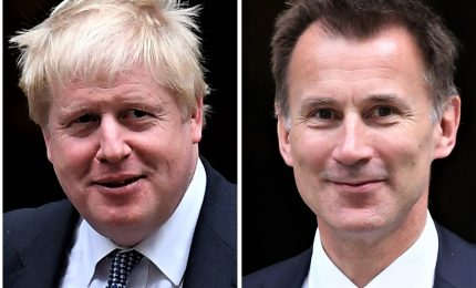 Corsa a 2 per Downing Street, Johnson contro Hunt. L'ex sindaco di Londra favorito
