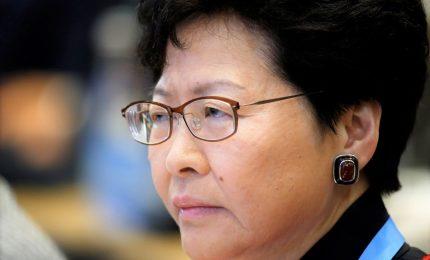 Governatrice di Hong Kong non si dimette: elimineremo violenza