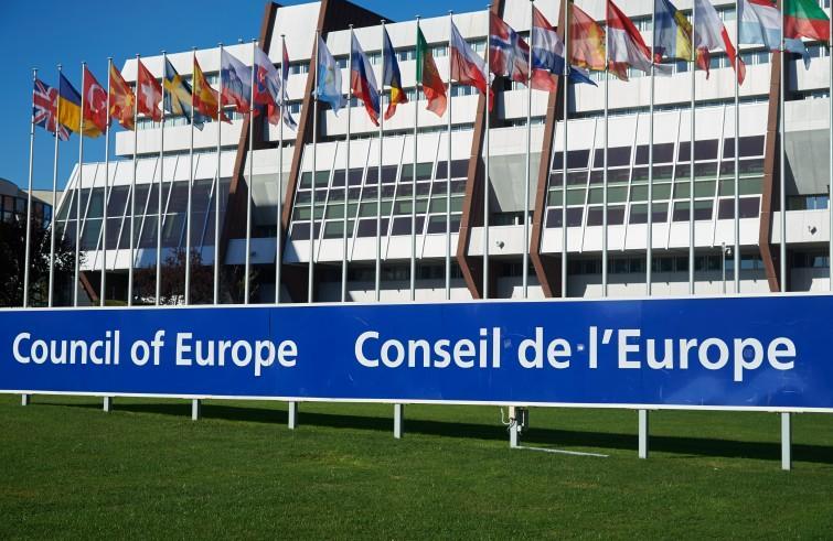 Consiglio d'Europa riammette la Russia. Ira dell'Ucraina: deluso da Macron e da Merkel