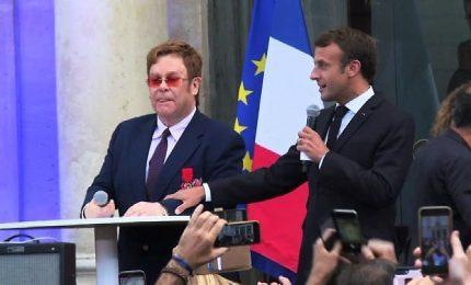 Elton John all'Eliseo, per lui la Legione d'Onore