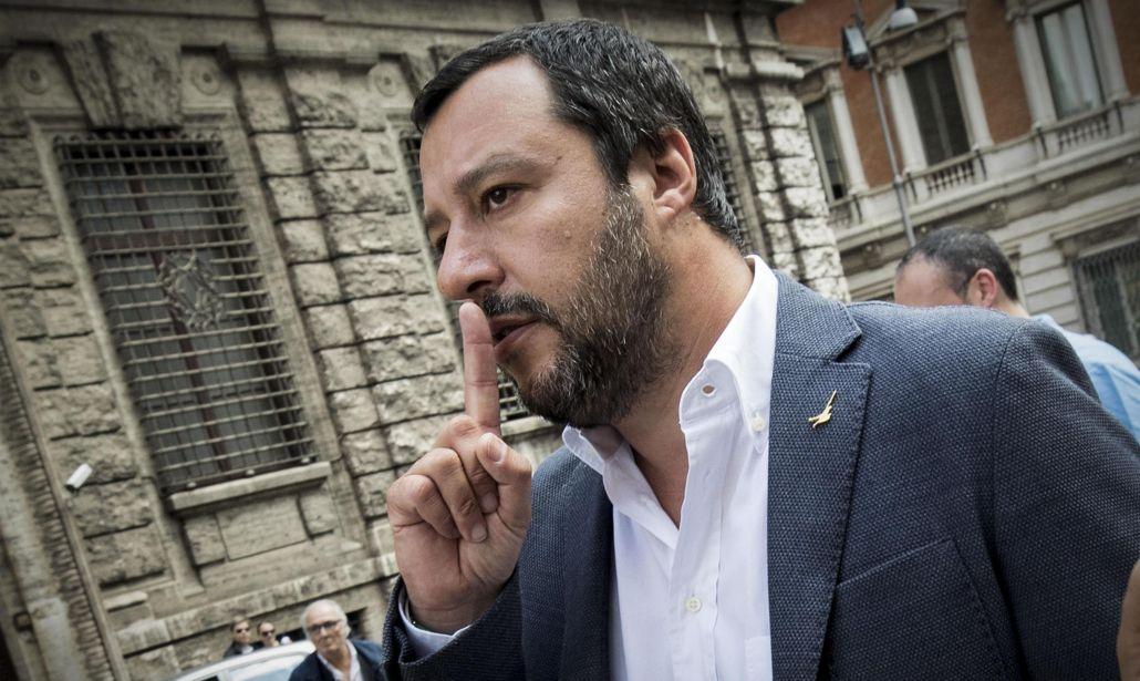 Salvini apre la crisi di governo: subito in Parlamento e poi si voti