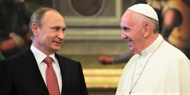Papa Francesco riceverà Putin in Vaticano. Cremlino: non in considerazione possibilità invito al papa
