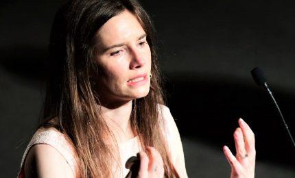 Amanda Knox: dai media trattata da sporca e drogata puttana, non assolvo nenache lo Stato italiano