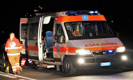 Morto sul lavoro, operaio 21enne schiacciato da tir