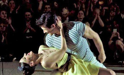 Bolle balla a ritmo di swing nella notte di Milano