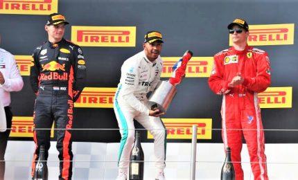 """Hamilton trionfa in Francia davanti a Bottas e Leclerc: """"Stiamo facendo la storia"""""""