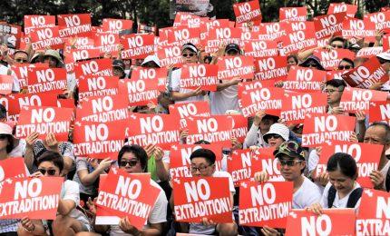 Hong Kong si arrende, vittoria della protesta: sospesa la legge su estradizione