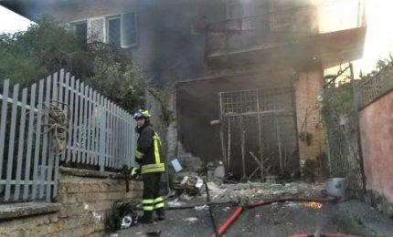 Esplode villa a Roma per fuga gas bombola, muore anziano