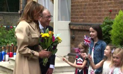 "Melania Trump e il ""First Husband"" Philip incontrano i bambini"