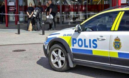 """Esplosione a Stoccolma, 20 feriti. """"Forse bomba"""""""