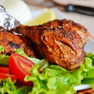 Pollo tandoori, piatto tipico della cucina indiana