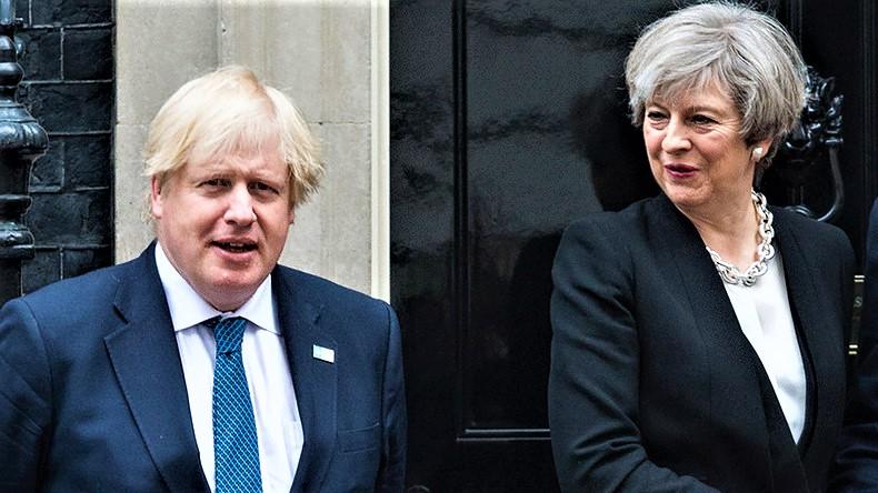 Johnson favorito per il dopo May, rischio di Brexit dura