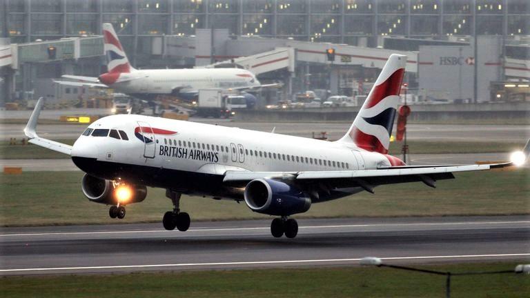 Allarme terrorismo in Egitto, British ferma i voli per Il Cairo
