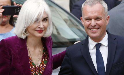 Aragoste e champagne, si dimette ministro della Transizione ecologica di Macron