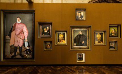 Wes Anderson e Juman Malouf portano tesori in Fondazione Prada